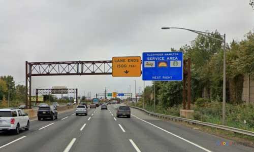 nj new jersey turnpike alexander hamilton service plaza southbound mile marker 111 off ramp exit