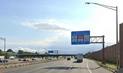 nj new jersey turnpike thomas service plaza southbound mile marker 92 off ramp exit